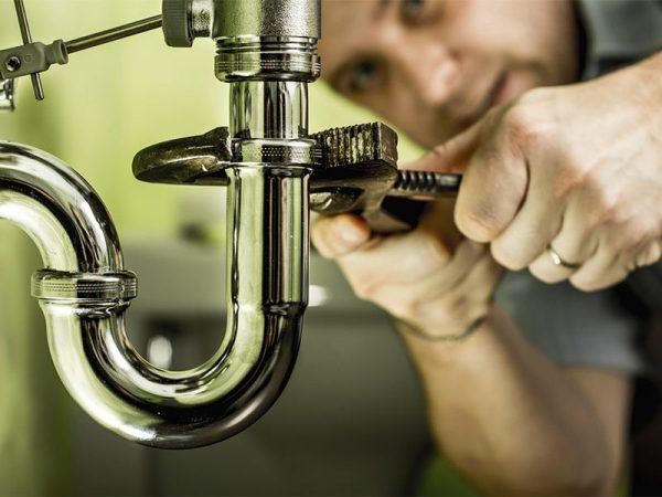 Choose The Right Plumbing Contractor